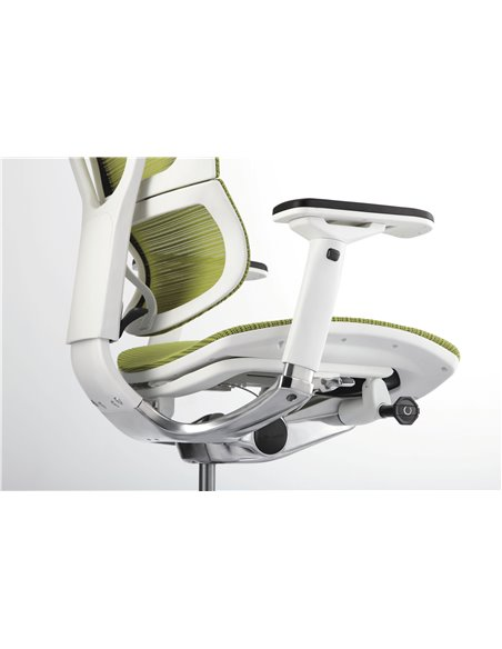 Крісло COMFORT SEATING MIRUS-IOO (IOO-WA-MDHAM) зелене